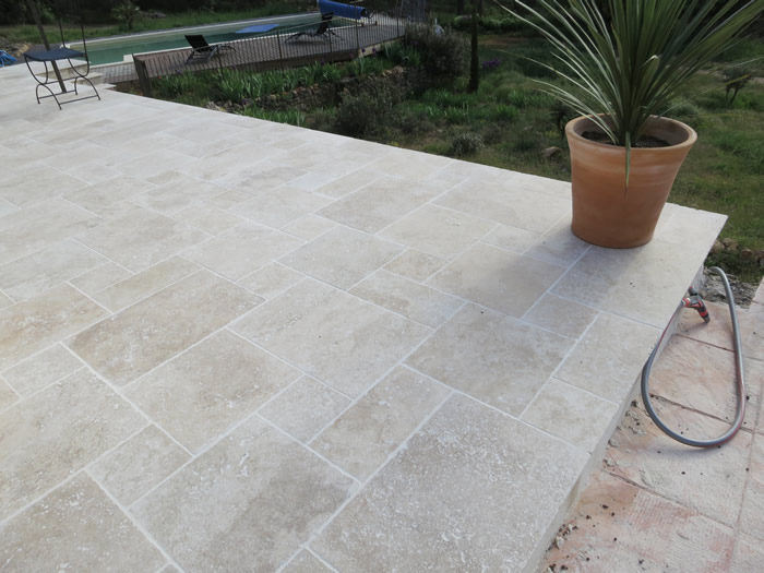 Travertin opus 4 et 40x60 60x90 for Carrelage exterieur travertin